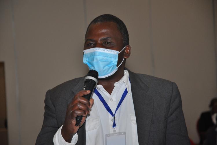 Dr. David Jakinda
